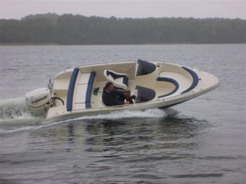 neu wakeboard wasserskiboot motorboot sportboot. Black Bedroom Furniture Sets. Home Design Ideas