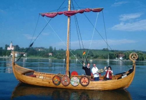 Wikinger-Langschiff