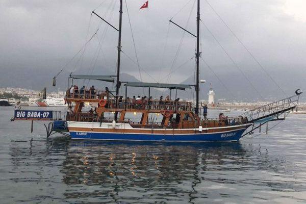 Touristenschiff Eigenbau 1665