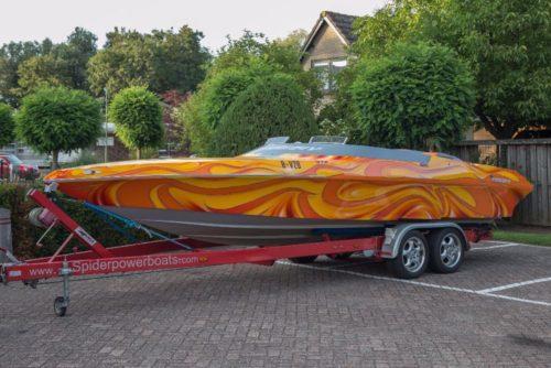 Spider 24v Powerboat 8.1 V8 Supercharged 600ps