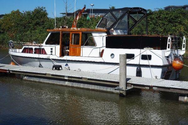 10,9 Meter – Motoryacht