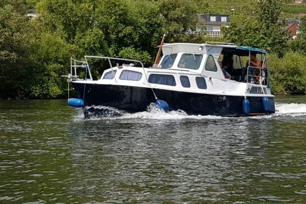 Kajütboot Jupiter 30 (Bugstrahl)