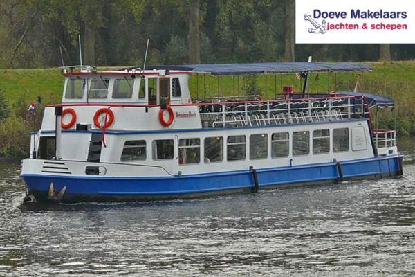 Fahrgastschiff 200 gäste